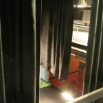 Der Blick von hinter der Bühne des Heimhof-Theaters auf die erste Reihe